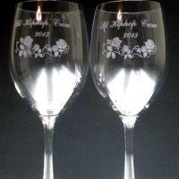 開店記念にペアのワイングラス