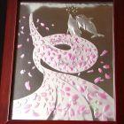 水中の桜花とイルカ